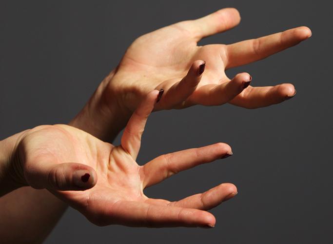Aryiel: Hands