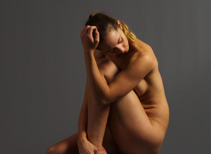 Brandi: Figure (nude)