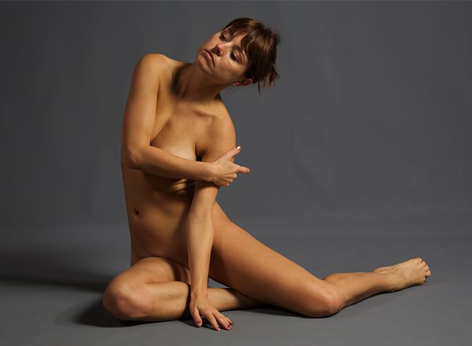 Monika: Figure (nude)