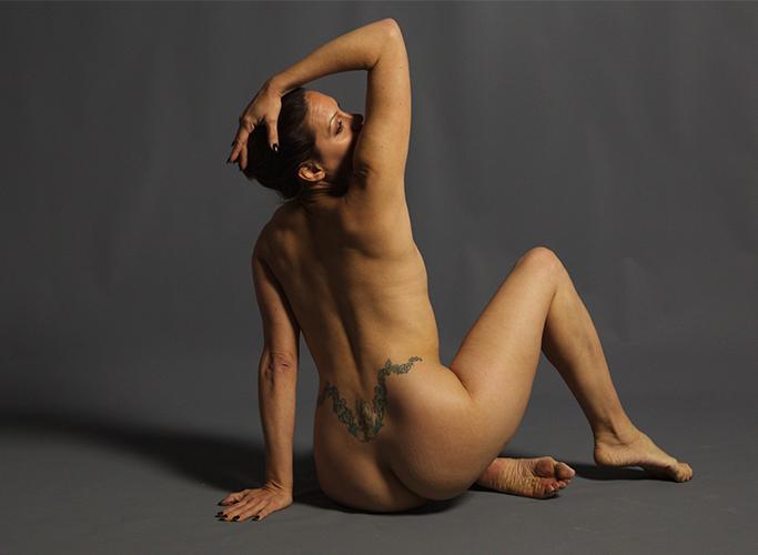 Toni: Figure (nude) 2